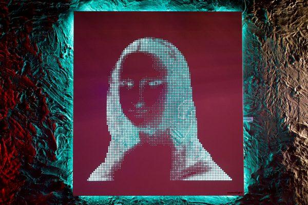 Vasilios Roumeliotis - Mona Lisa - pink-green light